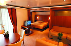SS Seven Seas Suite Forward